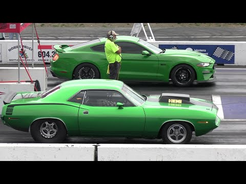 Old vs New School – drag racing