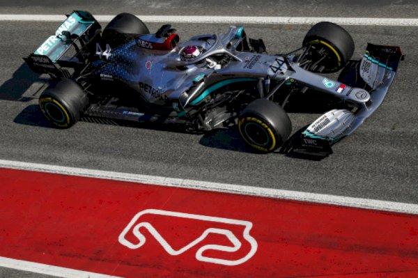 f1-–hamilton-tops-timesheet-as-pre-season-testing-gets-underway-in-barcelona