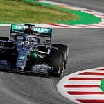 mercedes-amg-petronas-f1-crew-in-front-on-the-first-day-of-testing