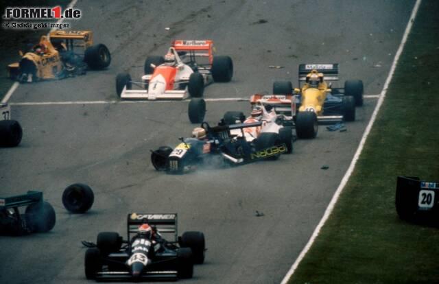 Brands Hatch am 21. August 1988: Bei diesem schweren Unfall in der Formel 3000 zieht sich Johnny Herbert (gelbes Auto oben links) mehrere Beinbrüche zu. Seine Motorsport-Karriere scheint beendet zu sein ...