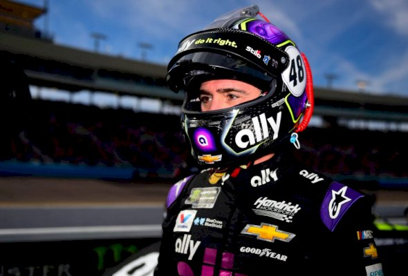 """jimmie-johnson-says-""""different-would-be-there""""-to-are-available-within-the-market-in-2021-update"""