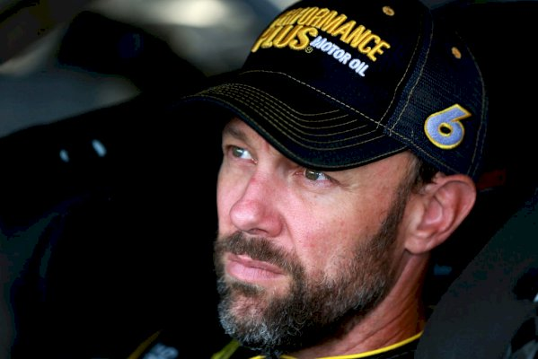 matt-kenseth-to-power-the-no.-42-for-leisure-of-the-season