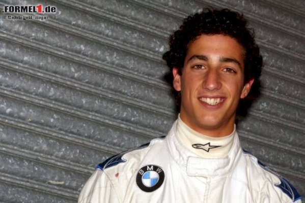 contract-signed:-daniel-ricciardo-changes-from-renault-to-mclaren!