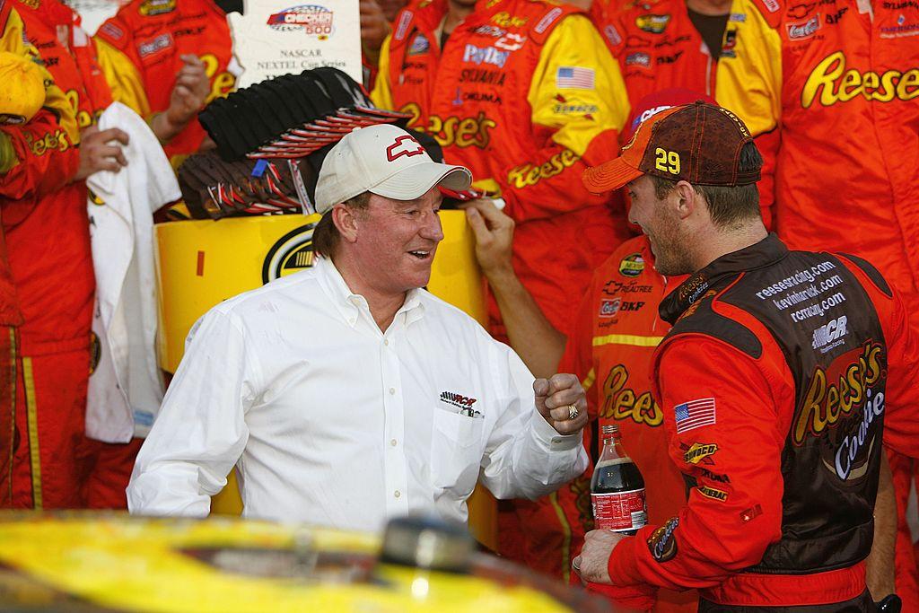 AVONDALE, AZ - NOVEMBER 12: Team owner Richard Childress congratulates Kevin Harvick, driver of the #29 Reese