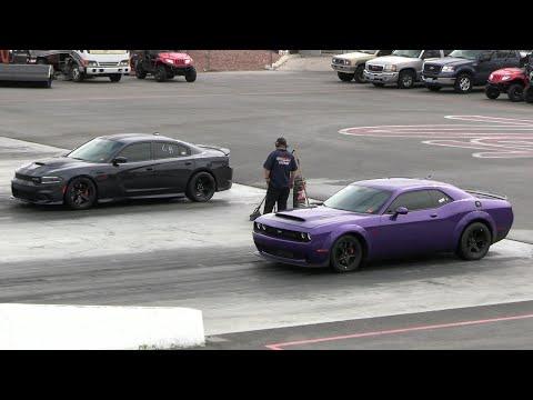 Dodge Demon vs Hellcat Charger – drag racing