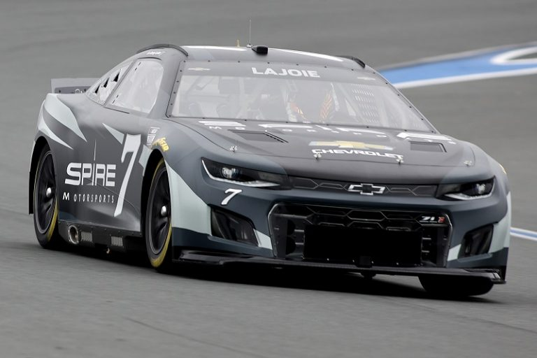 next-gen-automobile-roval-take-a-look-at-wraps-up-after-second-day