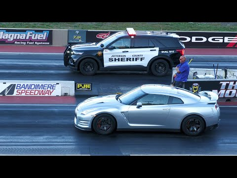 Police car vs Nissan GT-R and Shelby GT500 – drag racing
